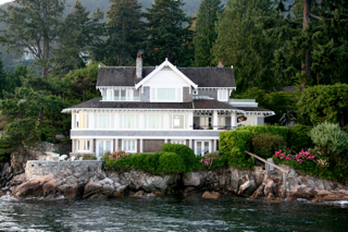 One of the many West Vancouver seaside houses to be seen on the SFU MBA boat cruise